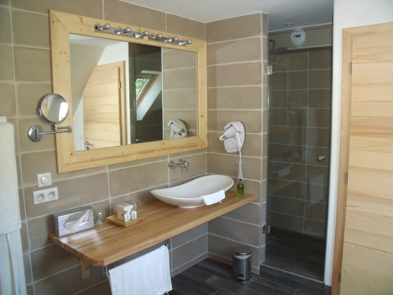 Salle de bain et miroir